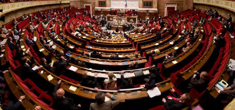 Обидот за ограничување на бројот на амандмани, причина за опозицијата да го напушти парламентот