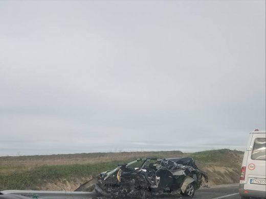 Автомобилот смачкан- загина возачот во сообраќајката кај Сарамзалино (ФОТО+ВИДЕО)