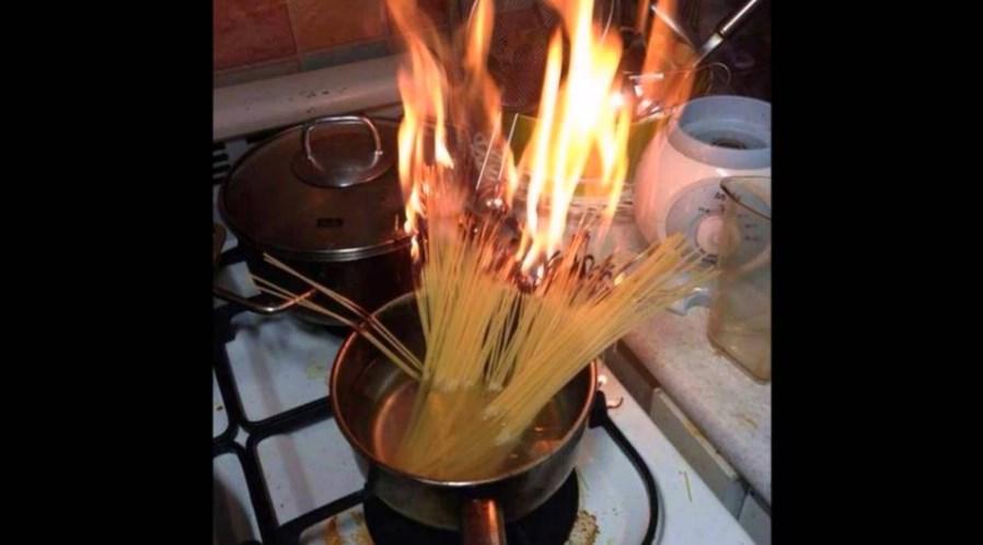 Студентки запалиле стан откако готвеле шпагети без вода