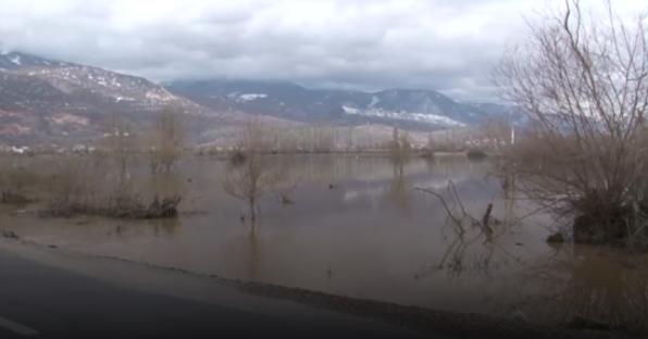 Алсат M: Поплави во Струга, под вода над 100 хектари земјa