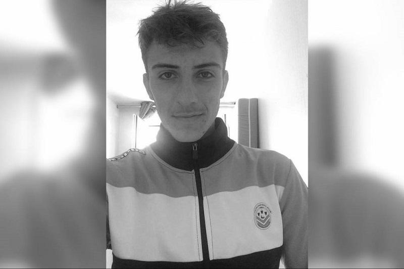 НОВА ТРАГЕДИЈА: Млад фудбалер почина во сон