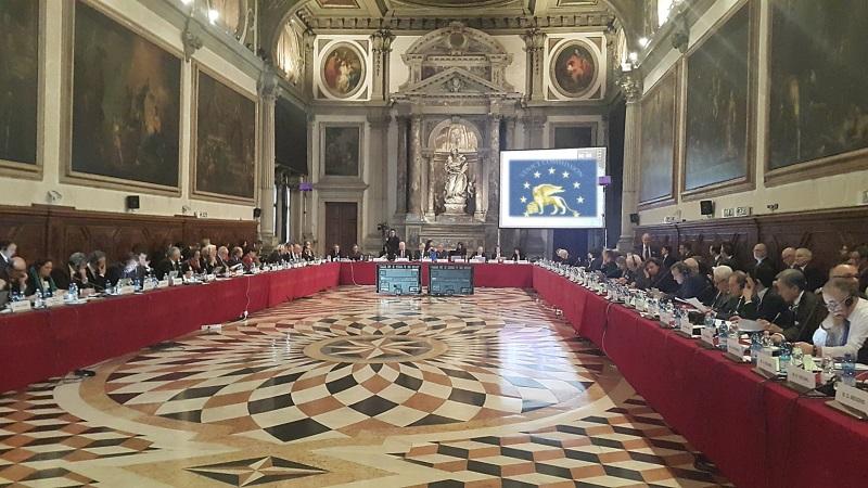 Венецијанската комисија не дозволила двојазичност во Украина, ќе ја дозволи ли двојазичноста во Македонија?