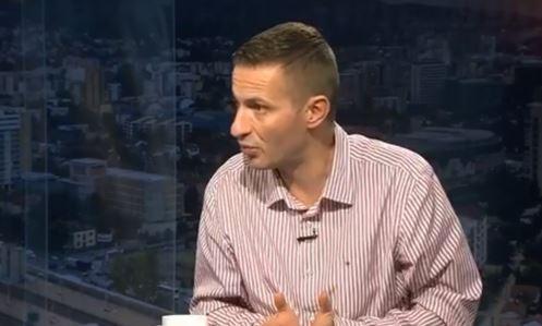 Божиновски: А за неупотреба на македонскиот јазик колку е казната?