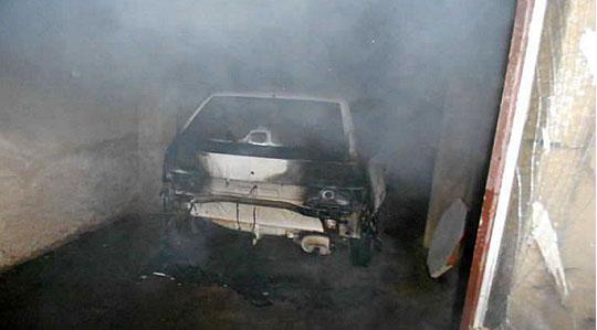 Запален автомобил на пратеничка на СДСМ