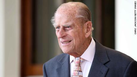 Принцот Филип задржан во болница, планирана е операција