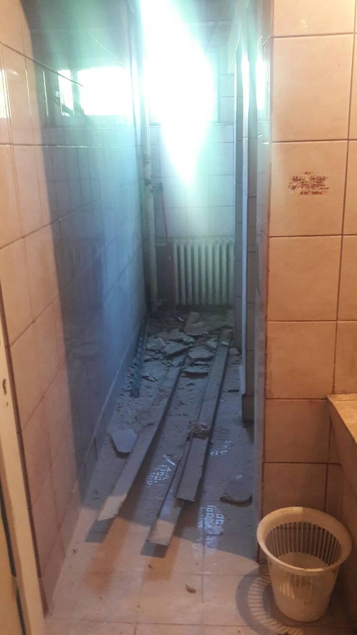 """Нов скандал: Падна плафонот во бањата во студентскиот дом """"Кузман Јосифовски Питу"""" (ФОТО)"""