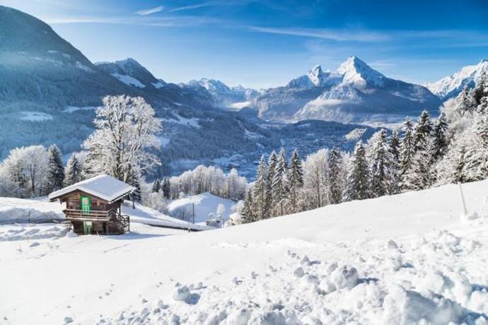 Турист бил толку пијан што наместо во хотел отишол на врвот на Алпите