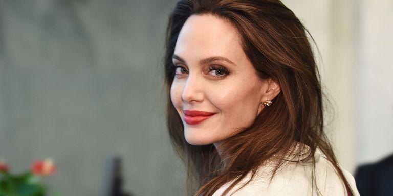 Анџелина Џоли итно пренесена во болница