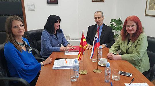 Министерката Апостолска на средба со амбасадорот на Република Словенија