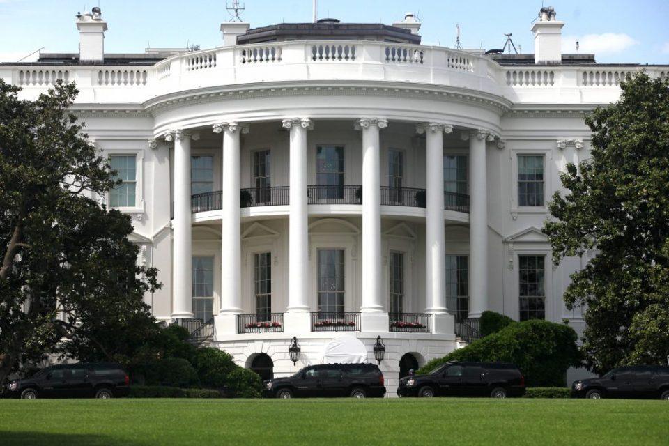 """САД со предупредување за """"брза реакција"""" ако властите во Каракас посегнат по Гуаидо"""