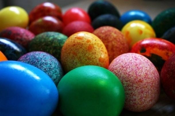 Внимателно одберете какво велигденско јајце ќе подарите- еве што значат боите