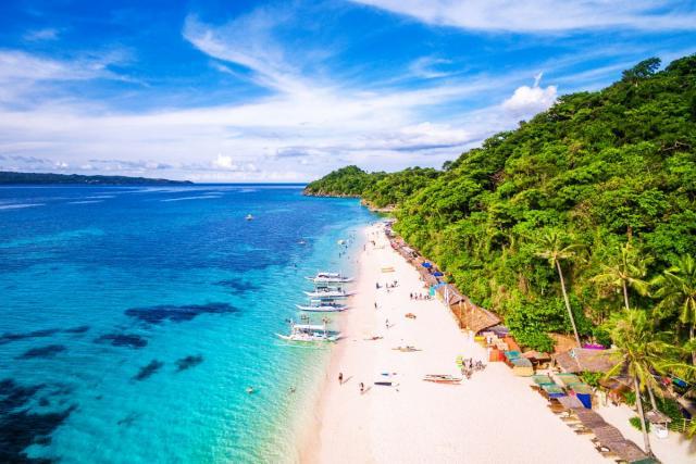 Илјадници луѓе остануваат без заработувачка: Еден од најубавите острови во светот се затвора за туристи