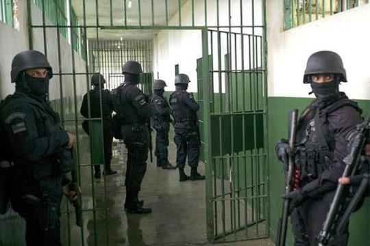 Најмалку 21 убиени при обид за масовно бегство од затвор во Бразил