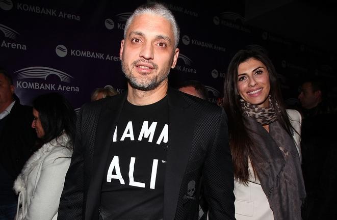 Најзгодниот политичар на Балканот не ја крие страста меѓу него и сопругата (ФОТО)