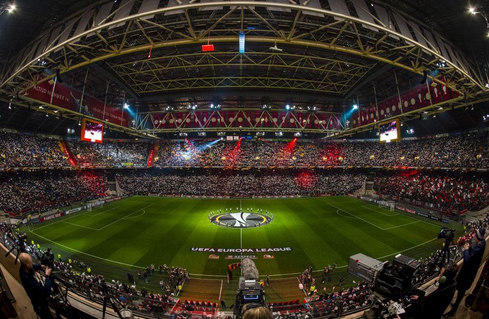 Стадионот на Ајакс ќе биде именуван по клубската легенда