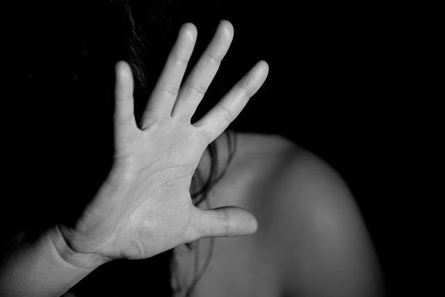 Драма во Скопје: Девојка киднапирана и нападната од поранешното момче