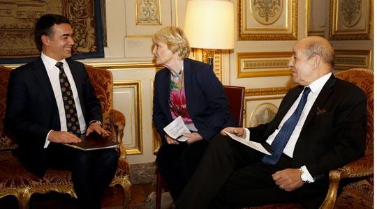 Димитров се сретна со францускиот министер за Европа и надворешни работи Жан-Ив Ле Дриан