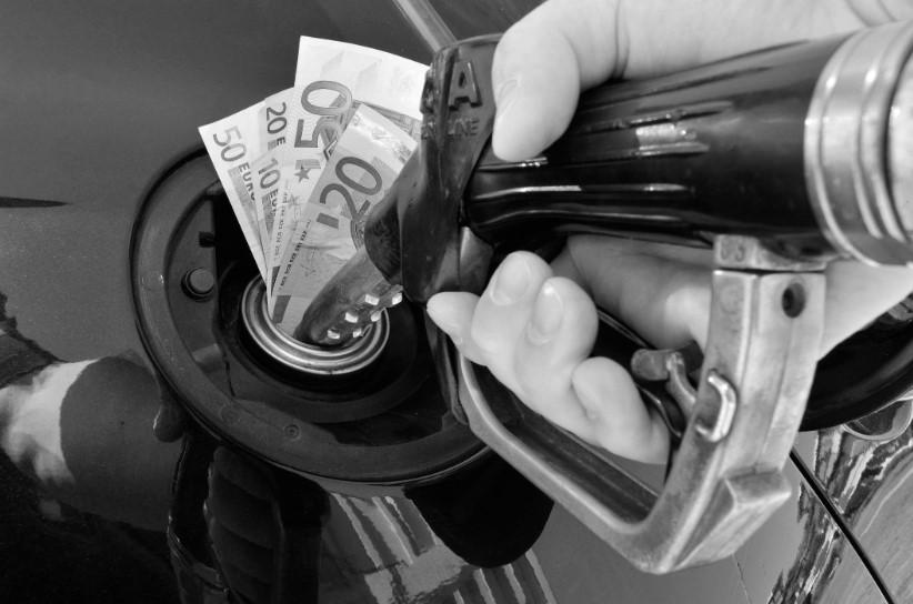 40 милиони евра годишно ги чини граѓаните покачената акциза од СДСМ