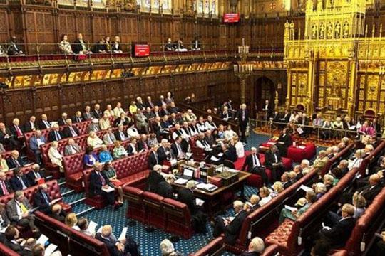 Тереза Меј претрпе пораз во Домот на лордовите за законот за Брегзит