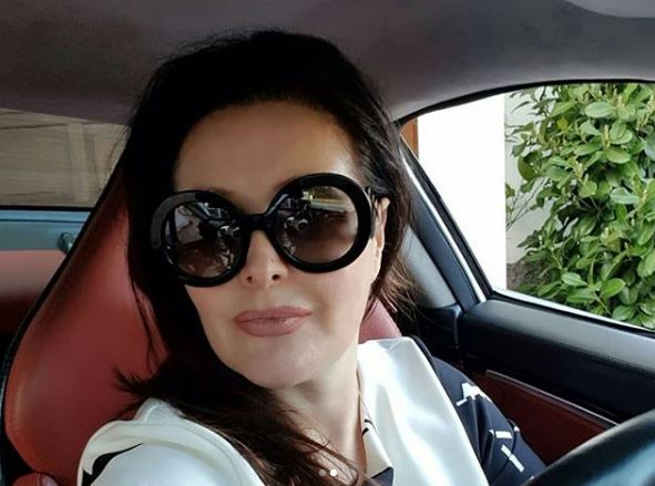 Не би ви паднало на памет: Таа е родена сестра на Драгана Мирковиќ која со години ја крие од јавноста (ФОТО)