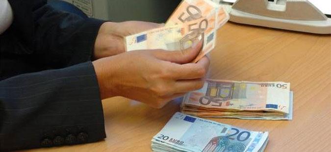 Просечната нето плата во Хрватска зголемена на 843 евра