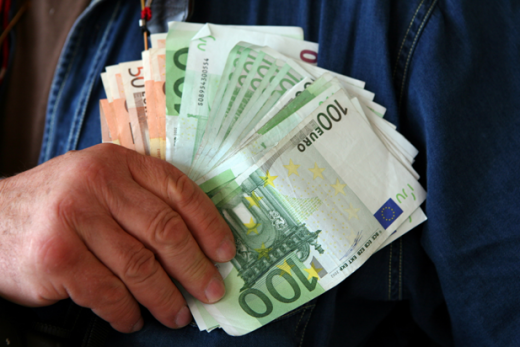 Покрената истрага против една Македонка и четворица Хрвати за криумчарење странци, заработиле над 66.500 евра