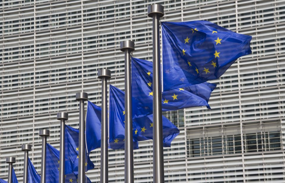 ЕК нема посебни правила за содржината на твитовите на еврокомесарите