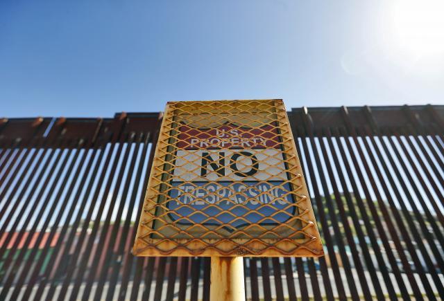 ВИДЕО: Националната гарда почна да се распоредува на американско-мексиканската граница