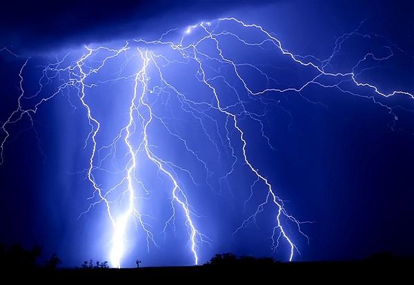 Во југоисточна Истра за два часа 11.000 молњи