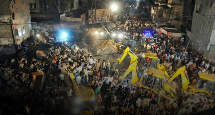 Ужас во Индија: Десет лица загинаа, а двајца се повредени при уривање на зграда