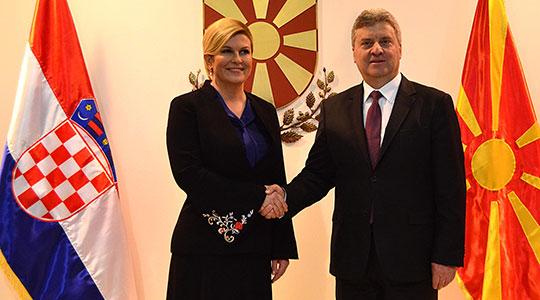 Иванов- Китаровиќ: Билатерелните прашања да се решаваат паралелно со евроинтеграцијата