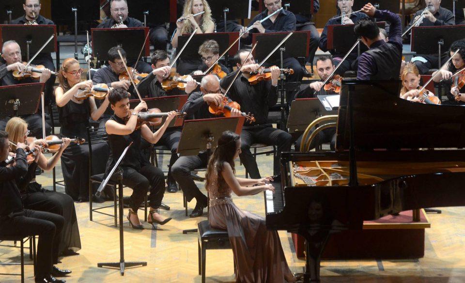 Светот ѝ се поклонува, а Македонија се гордее со младата пијанистка Јована Трајчева (ФОТО+ВИДЕО)