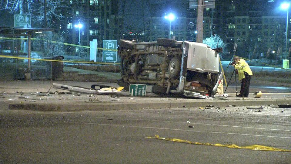 Комбе удри во група пешаци во Торонто: Десетина повредени, возачот избегал од местото на настанот