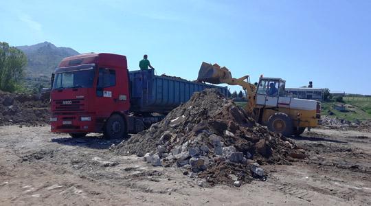 Комуналец почна со пролетно чистење на дивите депонии
