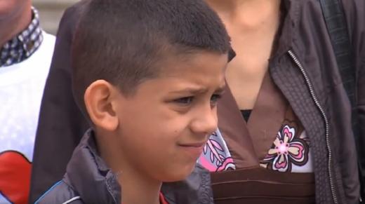 Матеј не може да оди на училиште – Министерството за здравство не му обезбедило лекови