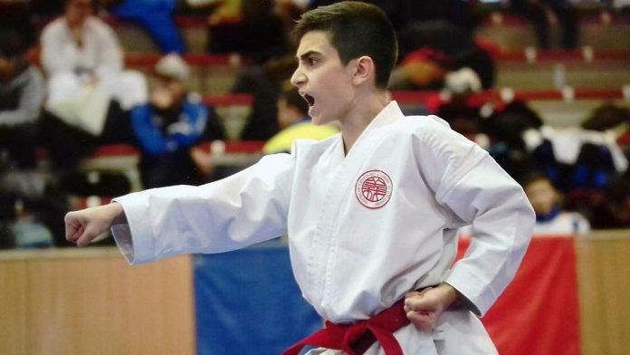 Македонецот Матео Причков е светски првак во карате
