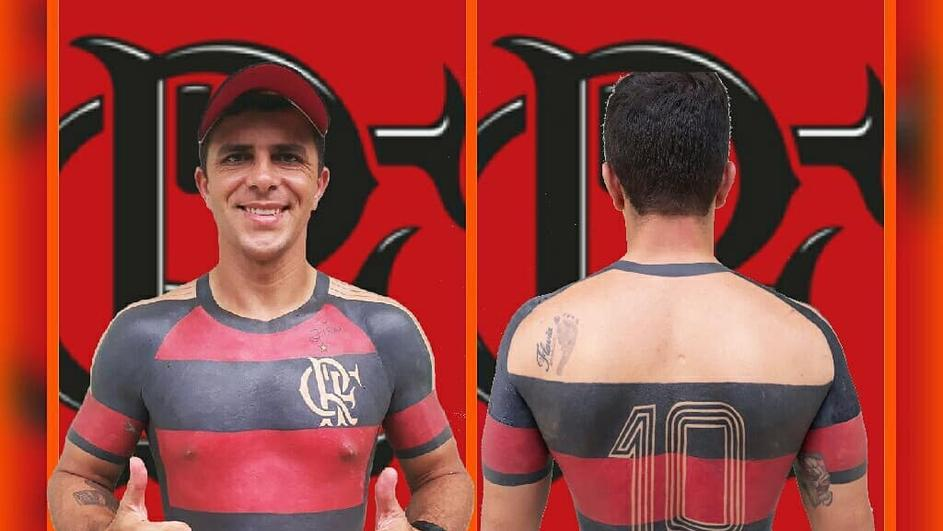 ФАНАТИЗАМ БЕЗ ГРАНИЦИ: Навивач го тетовираше дресот на омилениот клуб по телото (ФОТО+ВИДЕО)