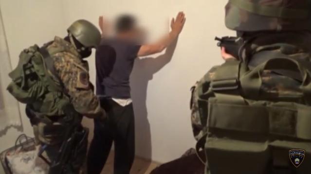 Уапсен дилер на дрога во Тетово