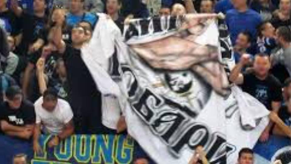 Нападнати играчите на МЗТ Скопје во сала, има повредени