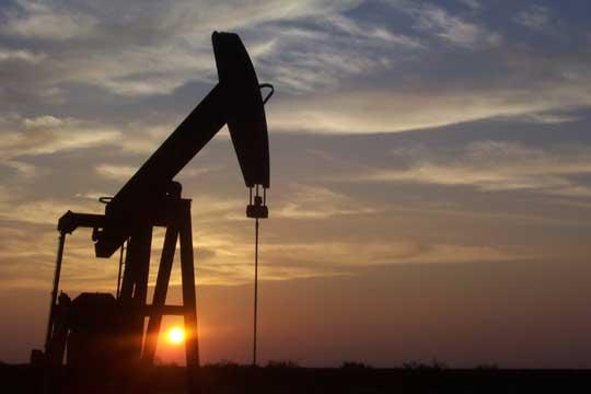 Цените на нафтата паѓаат пет недели по ред заради стравот од коронаворусот