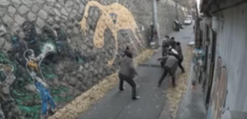 Шест насилници нападнаа девојка: Таа им возврати, тие зажалија што се родиле (ВИДЕО)