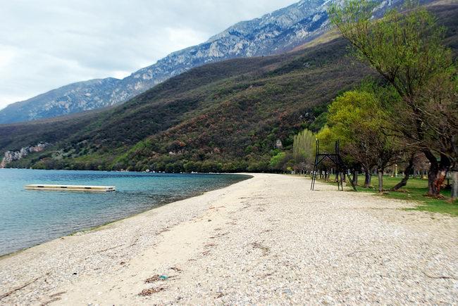 ТРАГЕДИЈА ВО ОХРИД: Женски труп пронајден во езерото кај Љубаништа