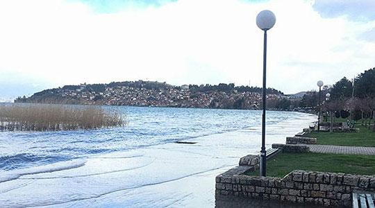 Охридското Езеро три сантиметри над критичната кота