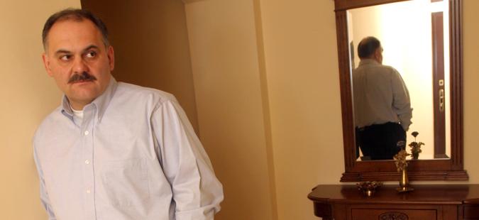 """Објавен осврт кон романот """"Зад аголот"""" на Томислав Османли во """"Политика"""""""