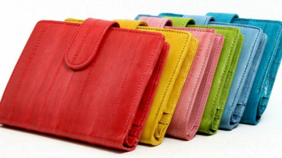 Внимавајте кога купувате паричник- тој влијае на вашата финансиска состојба