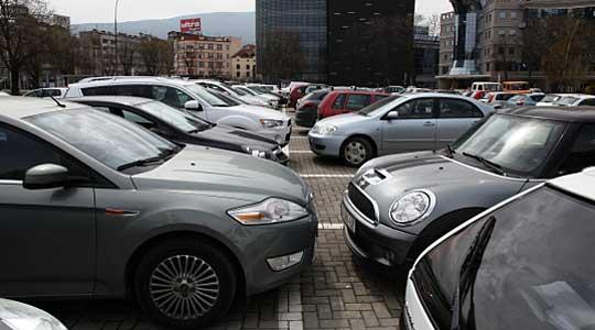 """На паркинг со """"Фиат Добло"""" удрил во двегодишно девојче кое од повредите починало во болница"""