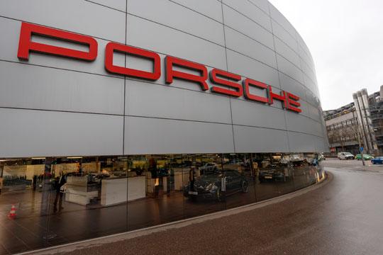 Германија: Рации во Порше поради скандалот со дизел емисии