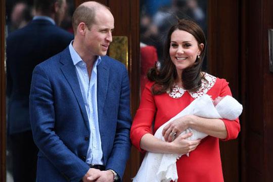 Идниот месец уште еден повод за славење во кралското семејство- еве што го очекува најмладиот син на Вилијам и Кејт (ФОТО)