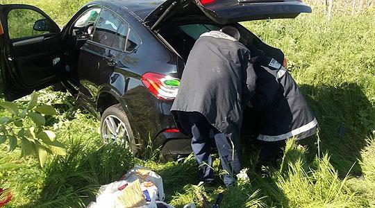 Повредени четири лица од кои две малолетни, три сообраќајки викендов во Тиквешко