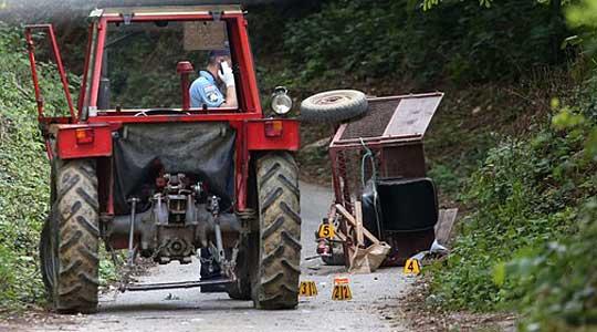 ДЕДО СИ ЈА ПРЕГАЗИ ВНУКАТА: Малолетничка паднала од трактор и починала на лице место